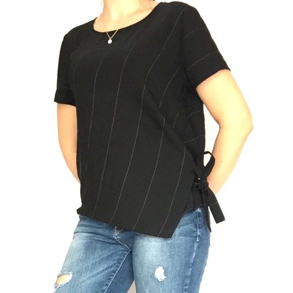 Vince Camuto Tops - Vince Camuto Blouse T Shirt